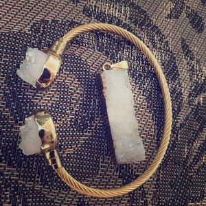 Jewelry - 🔴White druzy bracelet and matching necklace duo🔴